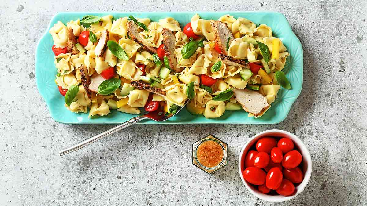 mediterranean-tortellini-pasta-salad